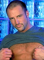 Kent Larson shows his muscled cock