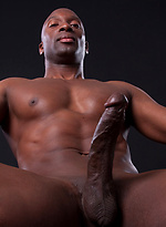 Muscle guys Champ Robinson and Kayden Pierce fucking